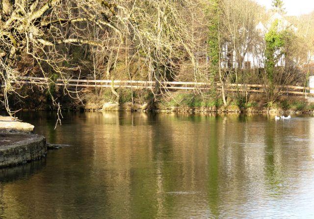 Der Aachtopf - hier tritt das in Immendingen versunkene Donauwasser wieder an die Oberfläche.