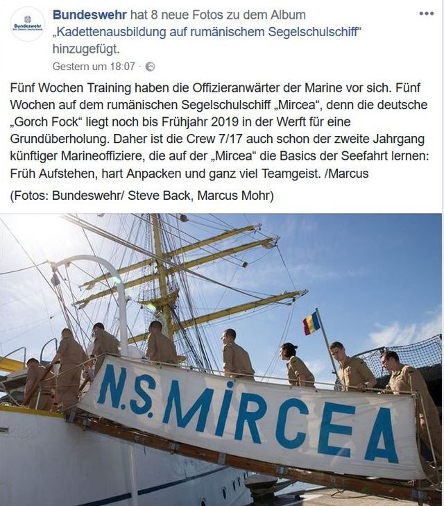 Deutsche Offiziersanwärter gehen an Bord des rumänischen Segelschulschiffs Micrea.