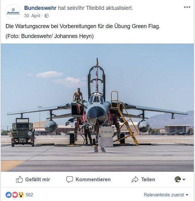 Kampfflugzeug der Bundeswehr wird gewartet.