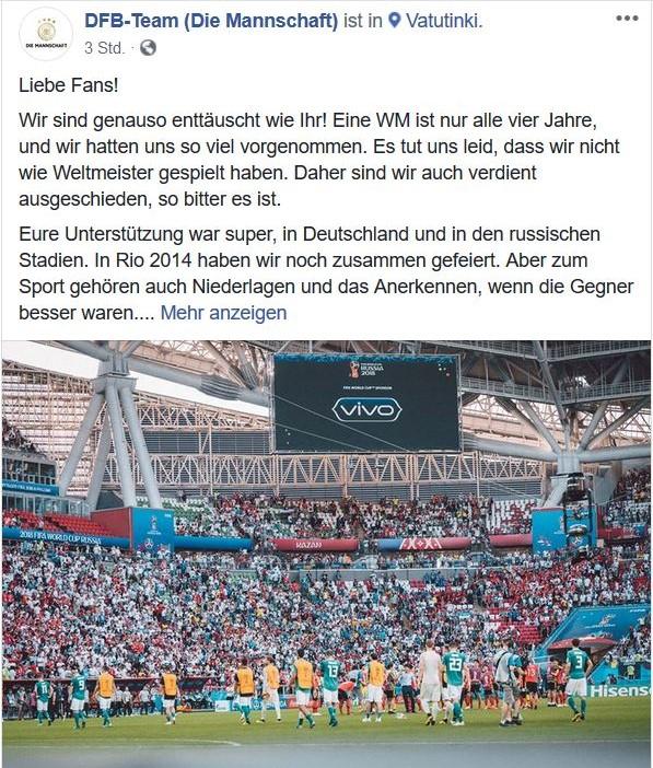 Bild mit Nationalmannschaft im Stadion. DFB entschuldigt sich für Ausscheiden in der Vorrunde der Weltmeisterschaft.