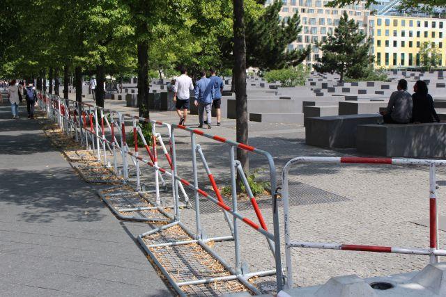 Der Zugang zum Denkmal für die ermordeten Juden Europas ist erschwert.