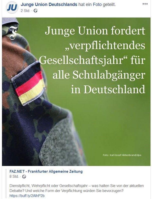 """Facebook-Post mit dem Text """"Junge Union fordert 'verpflichtendes Gesellschaftsjahr' für alle Schulabgänger in Deutschland"""" mit Uniform und Deutschland-Fahne."""
