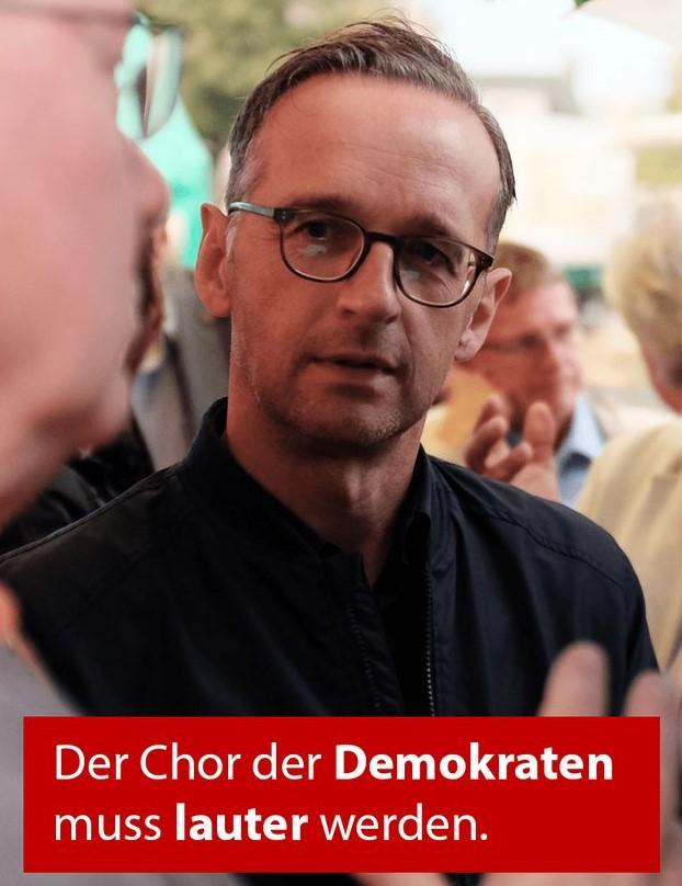 Heiko Maas in einem Facebook-Post mit dem Untertitel: 'Der Chor der Demokraten muss lauter werden'.