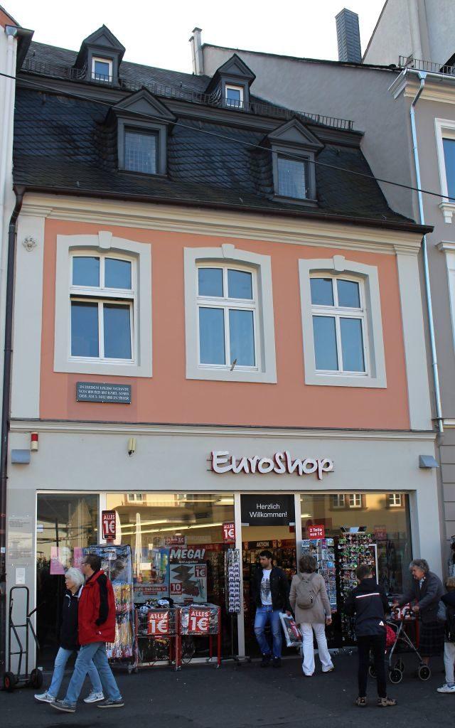 'EuroSho' im früheren Wohnhaus der Familie Marx in Trier.