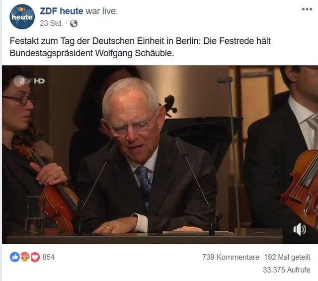 Facebook-Post mit einem Foto von Wolfgang Schäuble während seiner Ansprache am 3. Oktober in Berlin. Er trägt Anzug und Krawatte.
