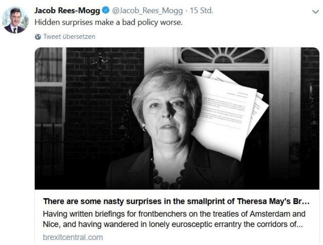 Tweet von Jacob Rees-Mogg mit einem Foto von Theresa May mit der Warnung vor ihrer Politik.