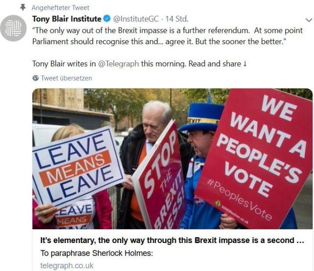 """Bild mit """"We want a People's Vote' und einem Hinweis auf einen Presseartikel von Tony Blair."""
