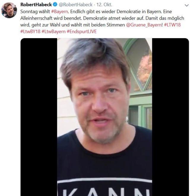 """Robert Habeck in einem Facebook-Post. Er schreibt: """"Endlich gibt es wieder Demokratie in Bayern. Alleinherrschaft wird beendet. Demokratie atmet wieder auf."""""""