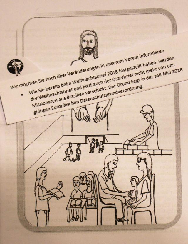 Kleine Handzeichnung mit Jesus und darunter verschiedene Szenen aus Schule und bei der medizinischen Versorgung.