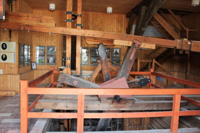 Pumpanlage am Schacht, der die Sole in Bad Kösen erschlossen hat. Überwiegend aus Holz gefertigt.