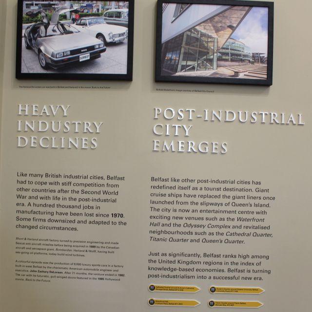 """Bildliche Gegenüberstellung von """"Heavy industrie decline"""" und """"Post-industrial City emerges"""". Texte daraus im Bildtext."""