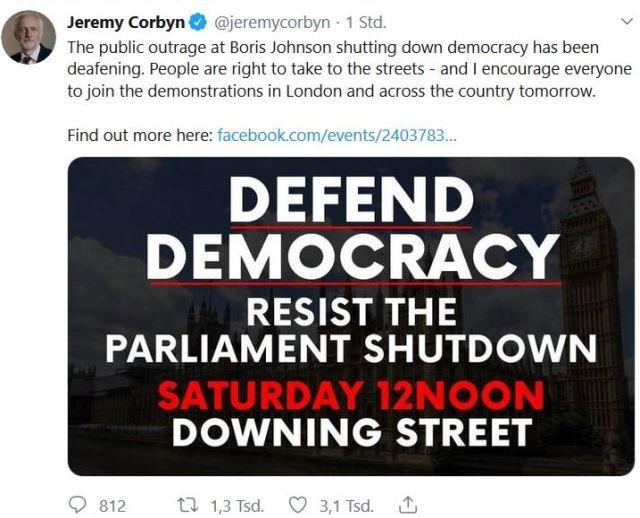 Tweet von Jeremy Corbyn. Er ruft zu einer Demonstration vor Downing Street auf.