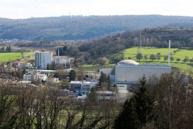Das Kernkraftwerk in Obrigheim wird rückgebaut. Das Reaktorgebäude ist noch zu sehen.
