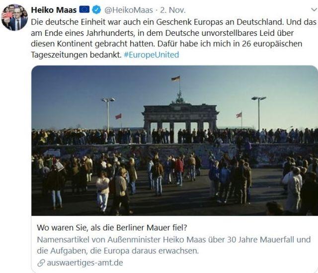 Heiko Maas dankt in einem Tweet den Europäern für die Wiedervereinigung. Im Foto Menschen am Brandenburger Tor.