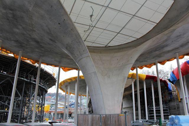 Ein wichtiges gestalterisches Element für den neuen Bahnhof in Stuttgart sind Kelchstützen, die das Dach tragen werden. (Bild: Ulsamer)