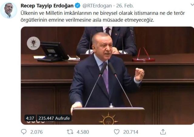 Erdogan am Rednerpult.