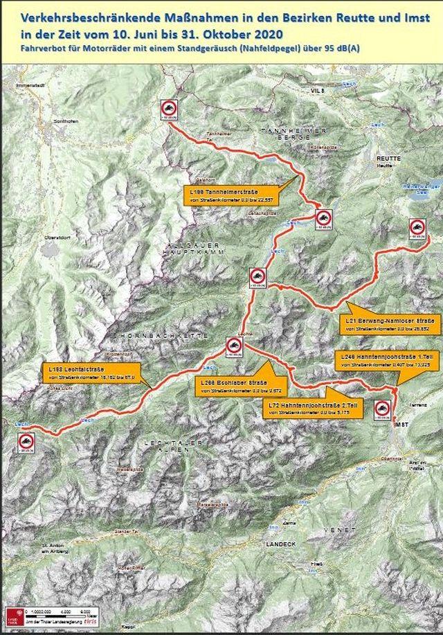 Landkarte Tirols mit den eingezeichneten Straßen, die von Fahrverboten für bestimmte Motorräder betroffen sind.