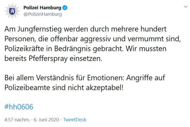 Tweet von der Hamburger Polizei: Randalierer nur mit Pfefferspray zu bändigen.