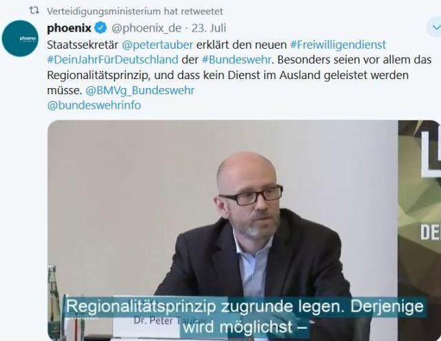 """Peter Tauber mit Anzug und ohne Krawatte in einem Tweet zu """"Dein Jahr für Deutschland""""."""