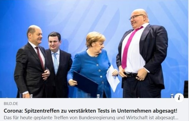 Peter Altmaier zieht gerade die Hose etwas höher, danaben Angela Merkel, Hubertus Heil und Olaf Scholz.